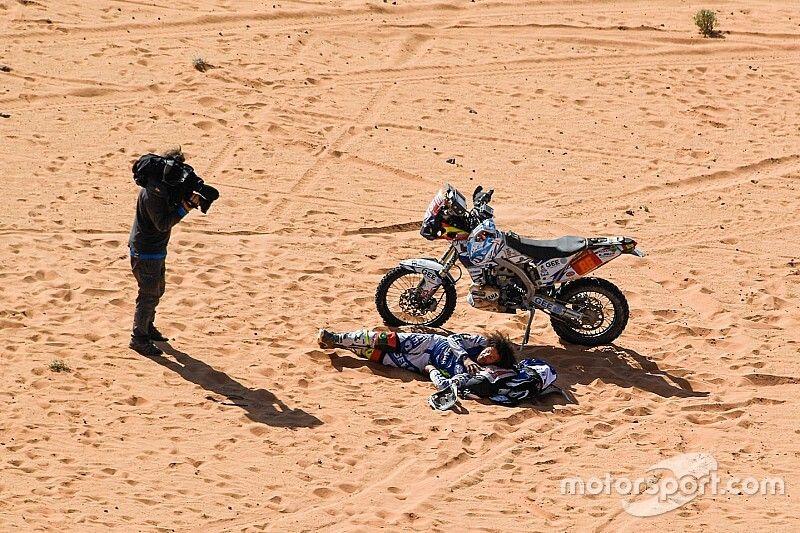 El número de abandonos a mitad de Dakar se reduce en Arabia Saudí