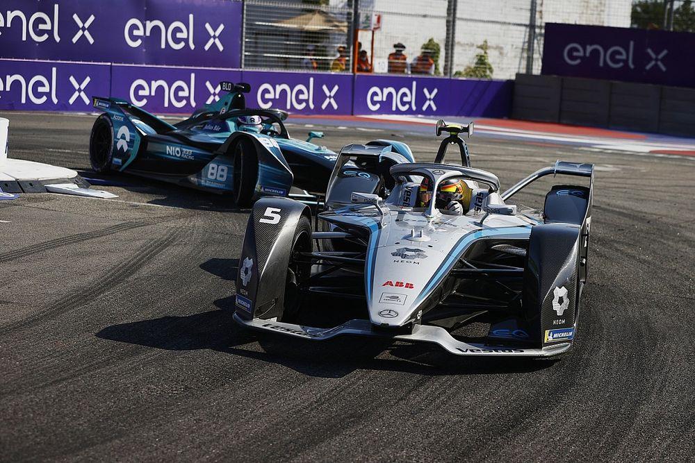 Dari Diburu, Mercedes Kini Jadi Tim Pemburu di Formula E