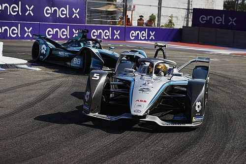 """Mercedes now the """"hunters"""" in Formula E after point-less NYC races"""