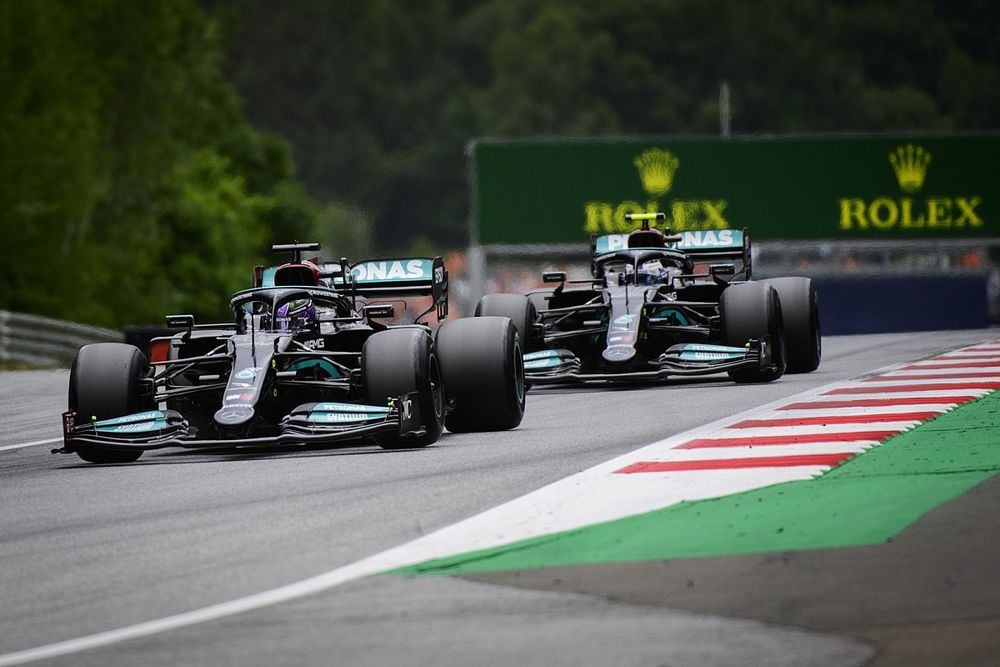 Mercedes va bientôt choisir entre Bottas et Russell