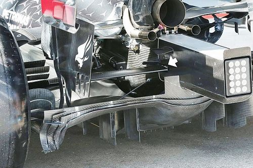 Mercedes: vibrazioni nocive dalla sospensione inedita