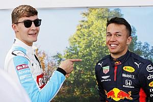 Így néz ki Russell házi F1-es szimulátora
