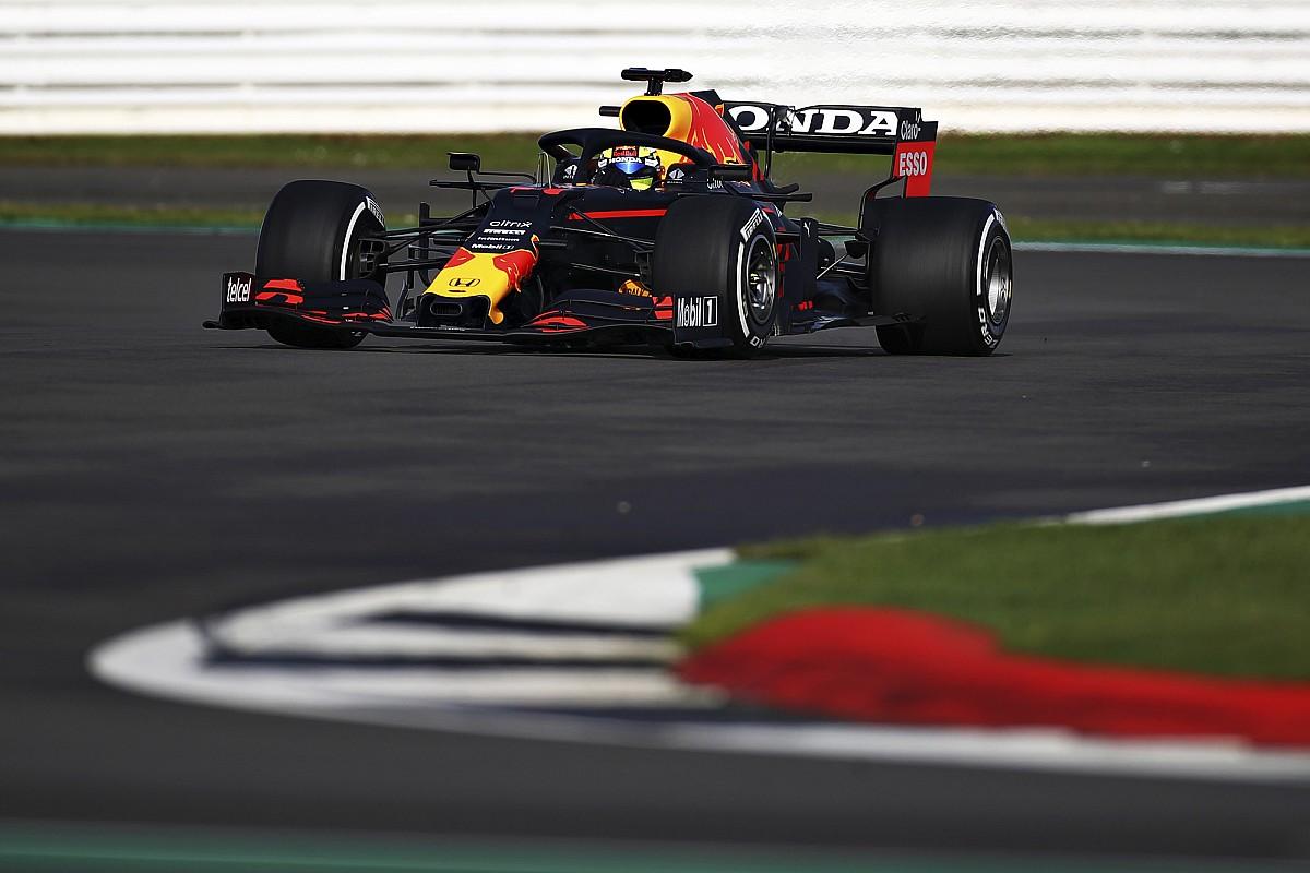 Vídeo: Sergio Pérez se estrena en pista con Red Bull