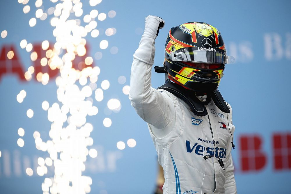 Rome E-Prix: Vandoorne wins wild Race 2 for Mercedes