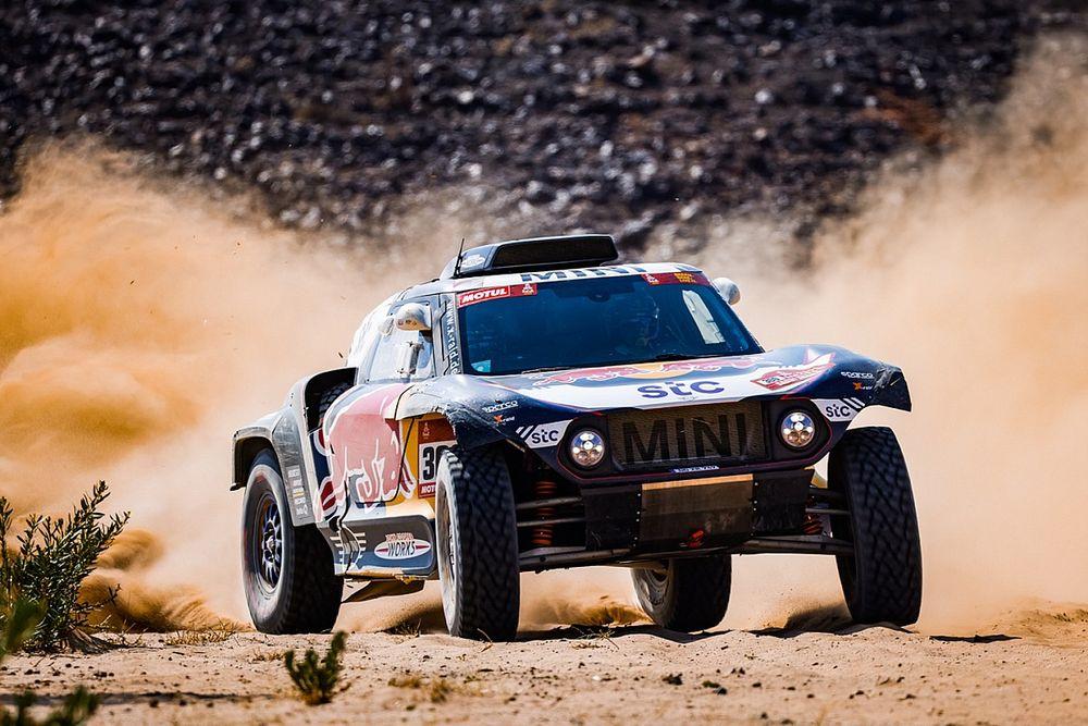 Dakar, Auto, Tappa 6: il ritorno di re Sainz. Loeb KO