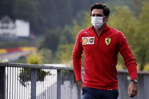 Sainz, una extraña celebración de podio y las dudas del calendario