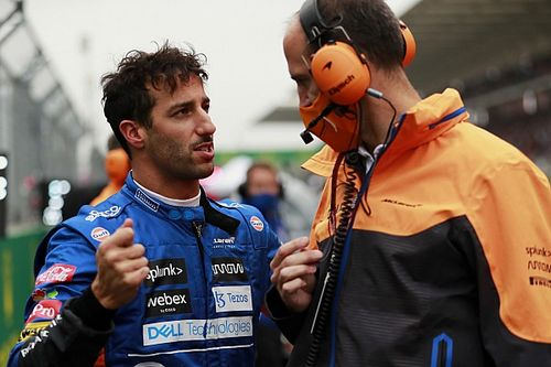 """Ricciardo a """"des idées"""" sur les difficultés de McLaren en Turquie"""