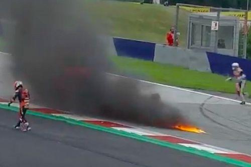 Incendio en las motos de Pedrosa y Savadori detiene el GP de Estiria