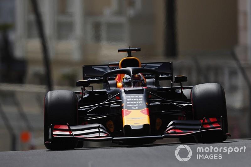 """Red Bull """"aux premières loges"""" derrière Mercedes"""