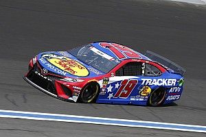 Coke 600: Martin Truex Jr. rebounds to take Stage 3 win