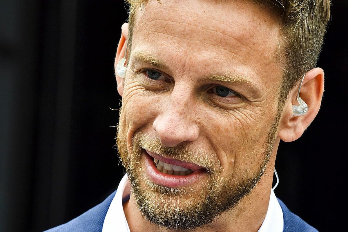 """Button: """"Oval yarış görünenden çok daha zor"""""""