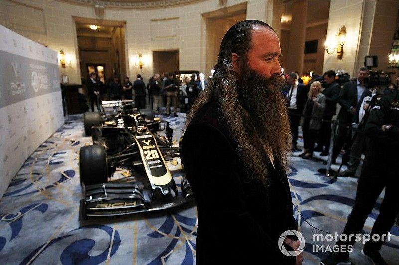 Титульный спонсор Haas сменил имя, Уильям Стори ушел с поста директора
