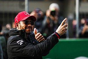 """Hamilton kijkt ook naar Red Bull: """"Gaat niet alleen tussen Vettel en mij"""""""