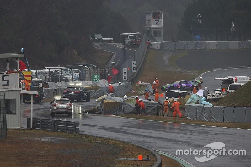 モス・エスでのGT300多重クラッシュ、ドライバーは全員無事