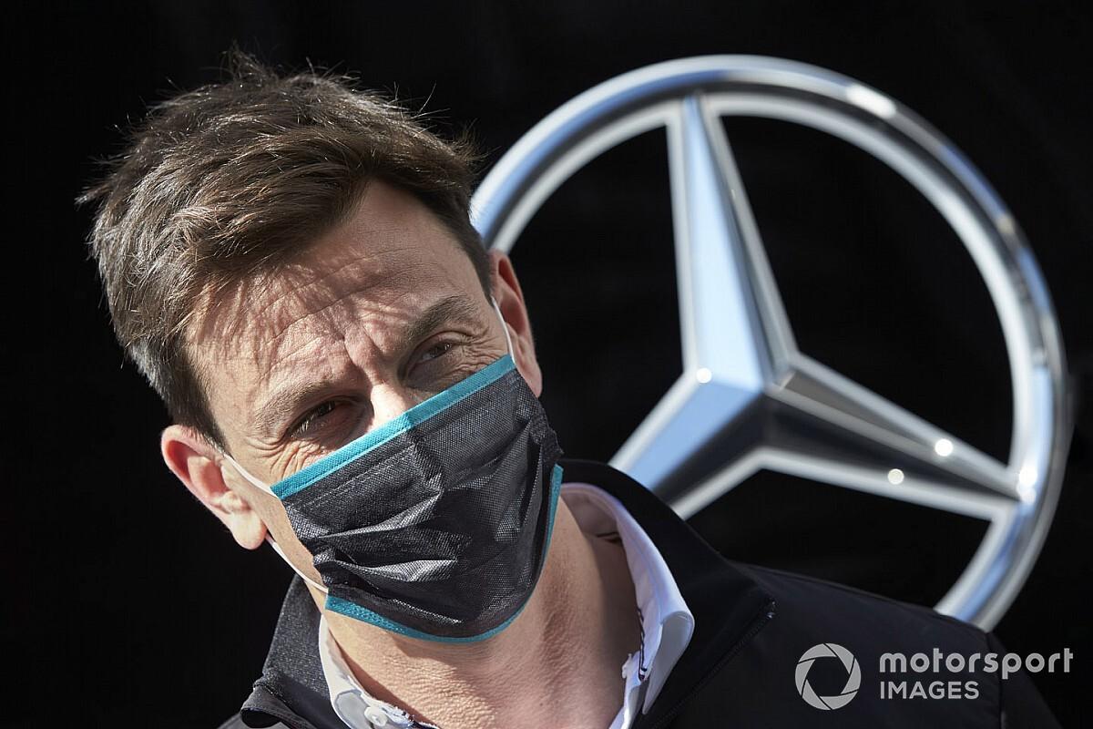 Mercedes steunt Red Bull voor bevriezen motorische ontwikkeling
