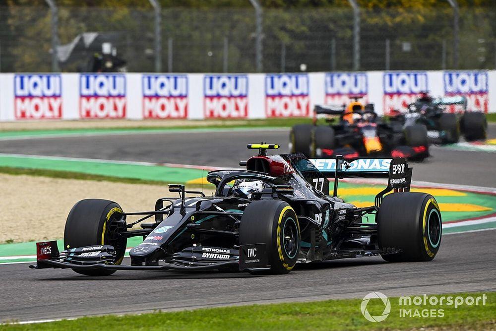 Bottas questionne l'absence de drapeau jaune pour le débris Ferrari