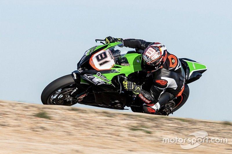 """Torres """"assaggia"""" la Kawasaki di Pedercini ad Almeria: """"La moto ha un grande potenziale"""""""