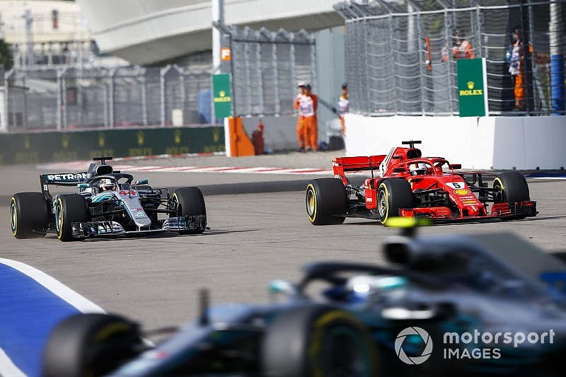 "Hamilton: I avoided crash after Vettel's ""double move"""