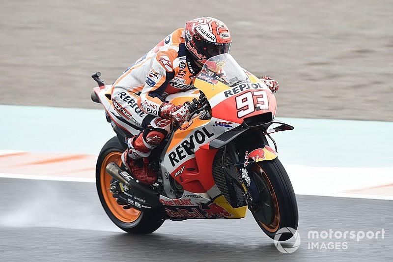 Márquez domina un warm up con lluvia en Valencia