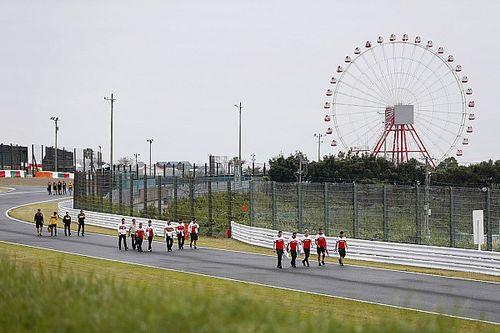 Verstappen wil DRS in 130R, Vettel vergelijkt het met Mario Kart