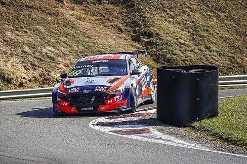 Vernay se acerca en el campeonato y Urrutia hace podio en Francia