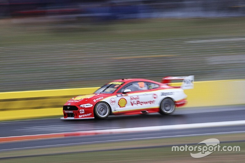 Bathurst 1000: McLaughlin fastest as rain shakes up qualifying