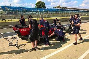 Un fuerte accidente de Buemi con el Red Bull limita los test de Pirelli