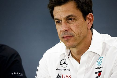 Wolff lamenta revés da Ferrari na Alemanha
