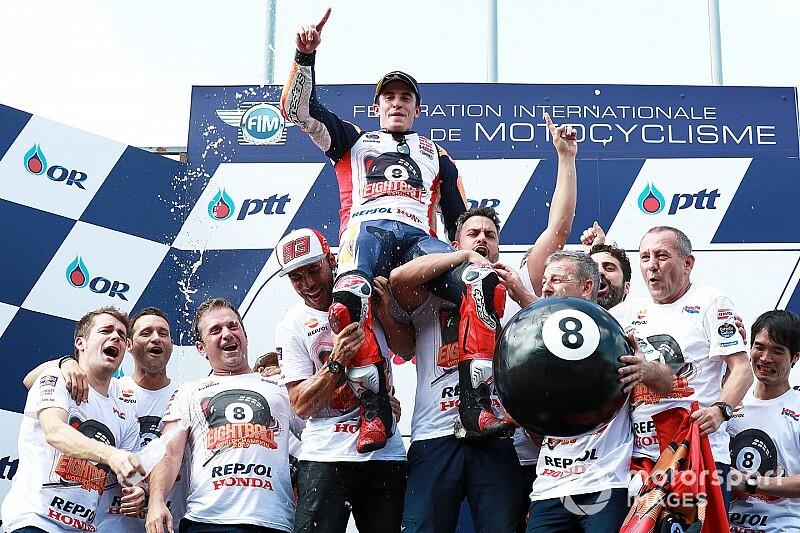 MotoGPタイ決勝:マルケス、クアルタラロ下し逆転優勝。文句ナシのタイトル獲得