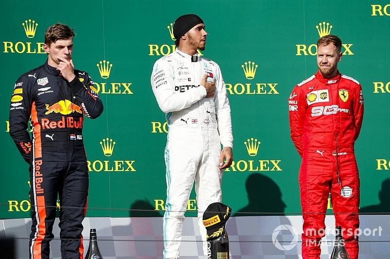 Hamilton Alonsóval fúrta Gaslyt, Verstappen Bottasra hárított