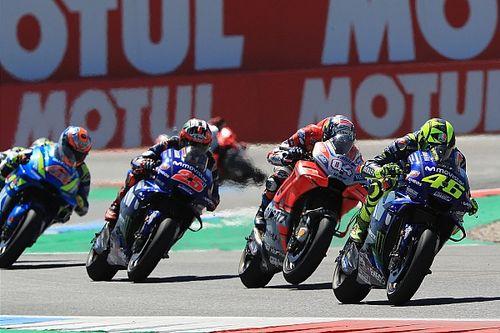 Rossi: Akılsız Dovizioso bana podyuma mal oldu