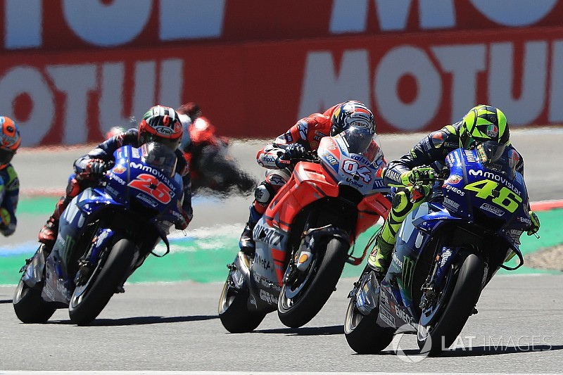 """Rossi : """"Pas un dépassement très intelligent"""" de la part de Dovizioso"""