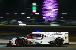 24 Ore di Daytona, 12° ora: Rahal si gira, Pagenaud sale in testa