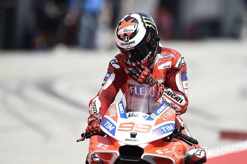Лоренсо заявил, что пропустил Довициозо к победе ненамеренно