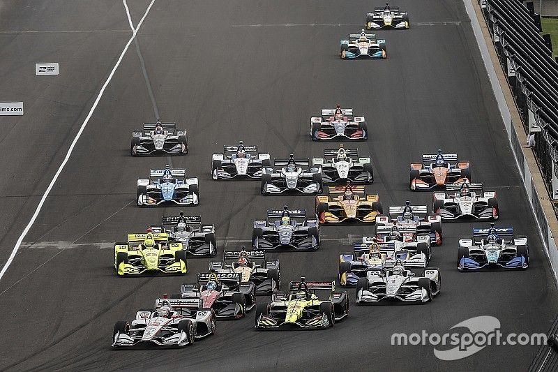 Johnson podría hacer carreras de IndyCar en circuito en el futuro