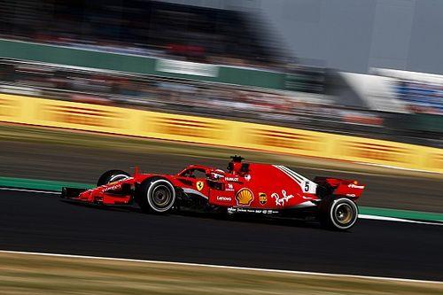 Vettel neemt de leiding in tweede training op Silverstone, crash Verstappen
