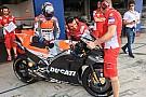 Ducati deja a varios de sus equipos satélite sin gasolina