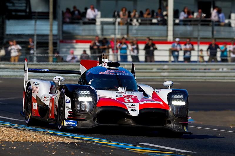 Le Mans 24 Saat - 1. Saat: #8 Toyota lider, #1 Rebellion kaza yaptı