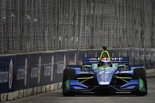 Alexander Rossi centra sul bagnato la pole per Gara 2 a Detroit