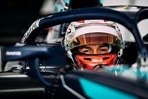 Официально: Элбон станет напарником Квята в Toro Rosso