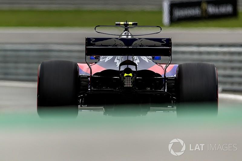 Toro Rosso onthult nieuwe auto op ochtend eerste testdag Barcelona