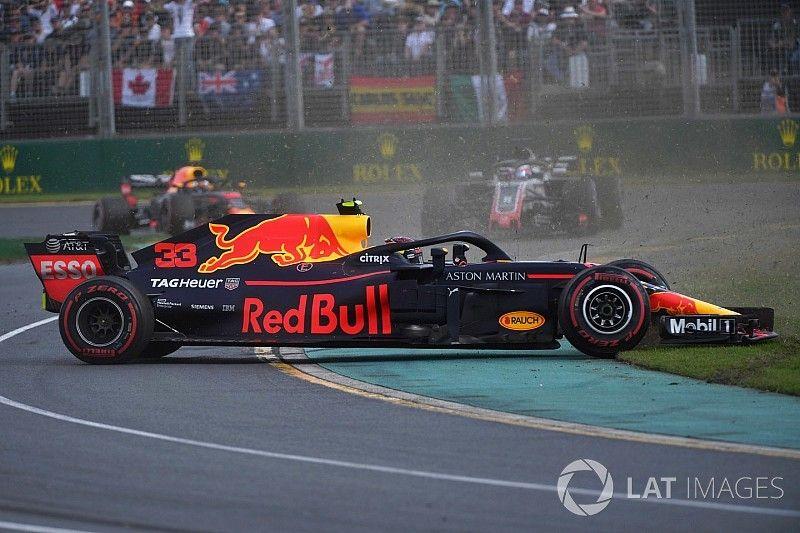 """Red Bull pushte Verstappen te veel in Melbourne"", denkt Surer"