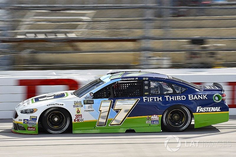 Fifth Third Bank reinvests with Roush Fenway Racing and Stenhouse