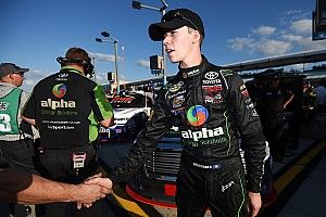 Ben Rhodes to remain with ThorSport for 2017 NASCAR Truck season
