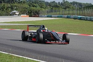 Tes Formula Masters: Keanon Santoso pertajam catatan waktu
