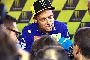 Valentino Rossi is búcsúzik barátjától, Ángel Nietótól