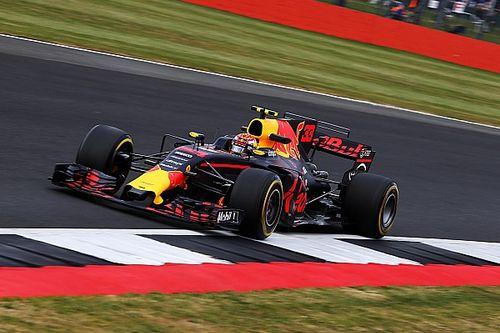 """Verstappen ontevreden: """"We kunnen Mercedes en Ferrari niet bijhouden"""""""