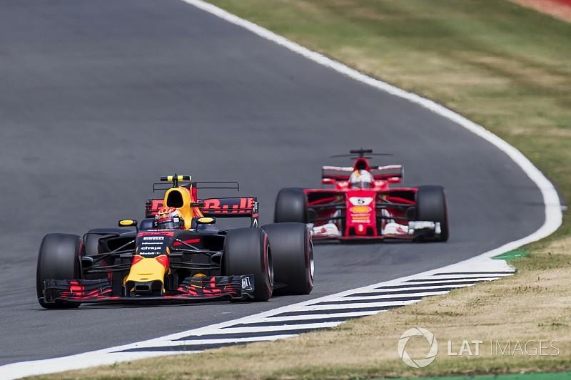 Vettel és Verstappen ádáz csatája: elölről-hátulról