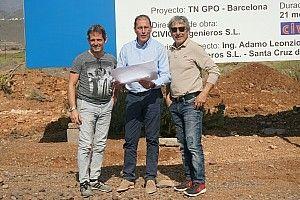 """Marco Lucchinelli e Alex Caffi """"esplorano"""" il Circuito de Tenerife"""