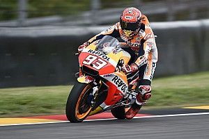 Marquez en Pedrosa testen nieuw chassis in privétest op Brno